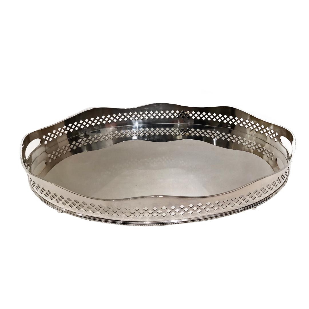 Bandeja de prata com galeria oval