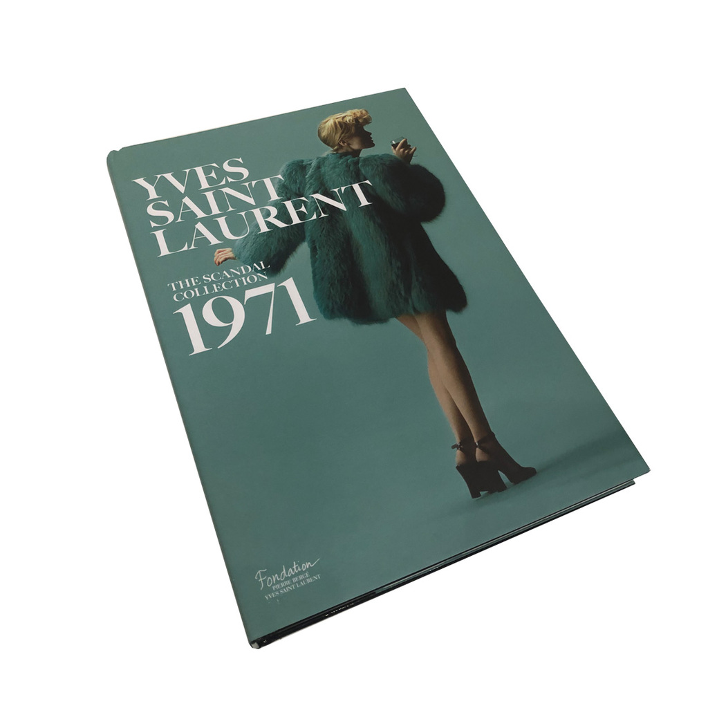 Livro Yves Saint Laurent: The Scandal Collection, 1971