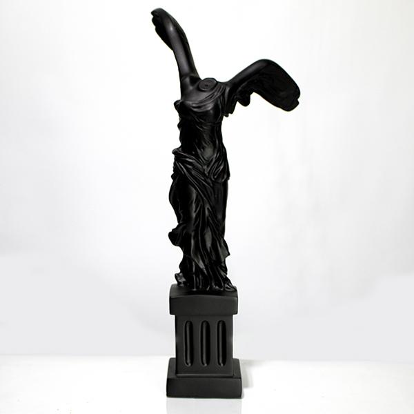 Escultura Resina Corpo Asas Preto